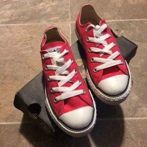 Chuck Taylor Low Converse Youth Size 13